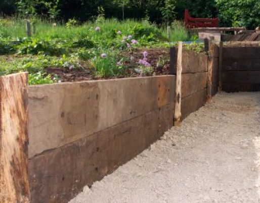 Anton's jarra railway sleeper wall