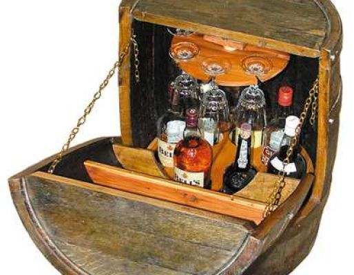 Dave's oak barrel drinks trolley - that led to a business !