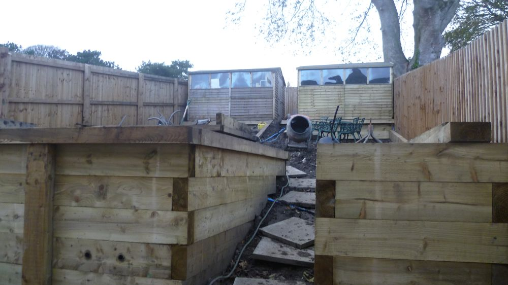 how to build a retaining wall with pine sleepers