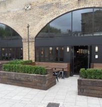 Beagle restaurant with railway sleeper planters