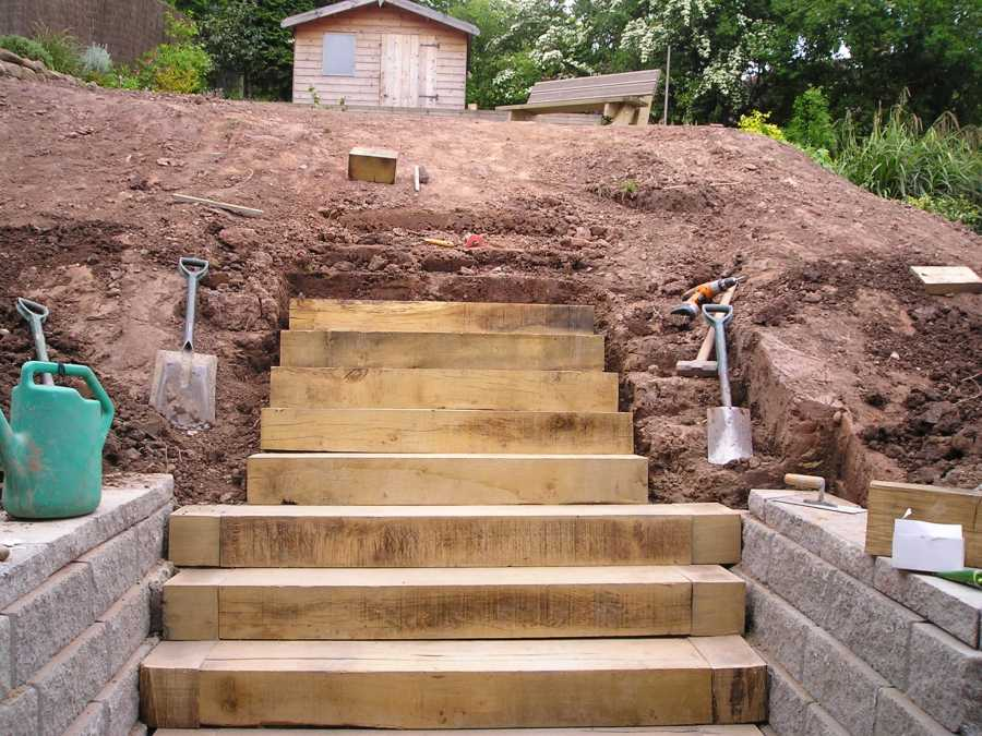 how to build a sleeper and gravel stairway