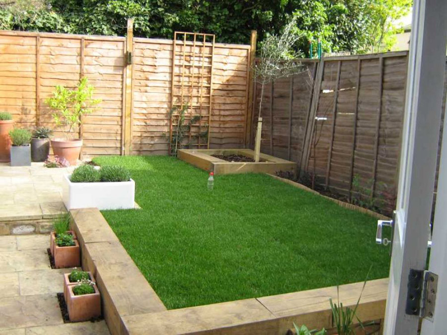 Garden Borders Using Sleepers : Richard parr s garden transformation with railway sleepers
