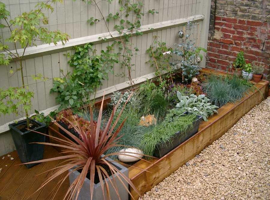 Comfortable railway sleeper garden designs images garden for Garden railway designs