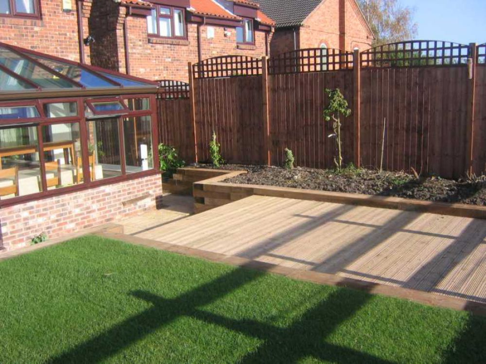 Landscaping landscaping ideas with railway sleepers for Garden designs with railway sleepers