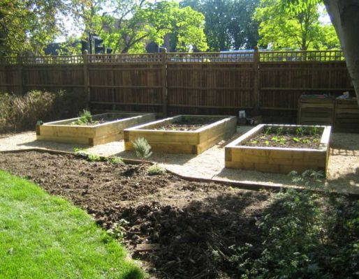 Tony Colborne's raised veg beds with new railway sleepers