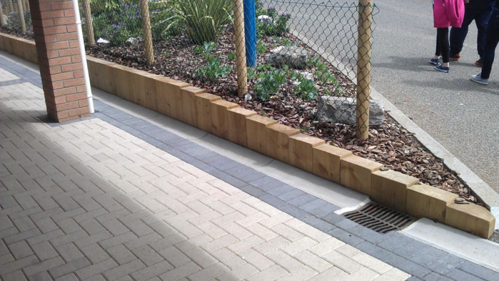 how to build a railway sleeper wall